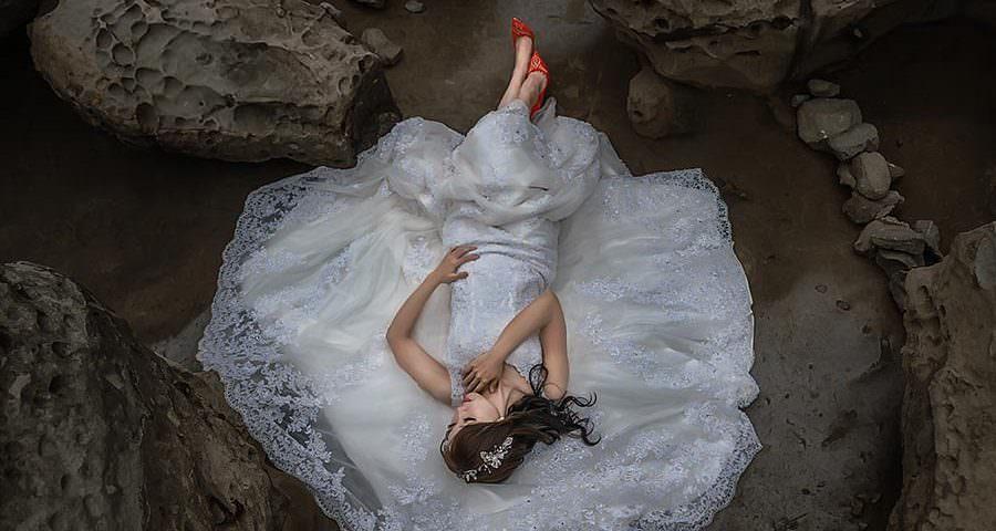 Ragazza cinese vestita da sposa